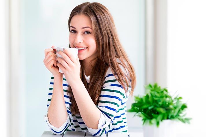 Tomar té verde para el hígado graso