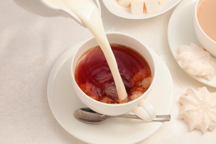 Cómo tomar té negro con leche